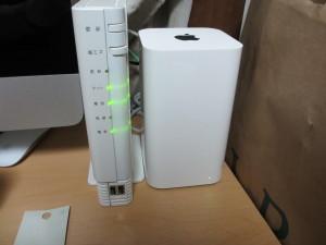 KDDI光 Home GatewayとAirMac Express (2013)