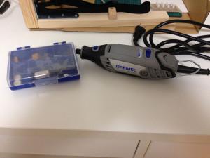 DREMEL 3000と先端工具