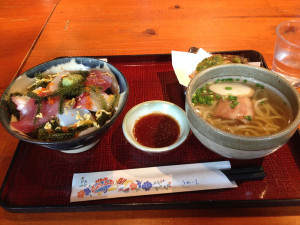 沖縄料理 龍潭の海鮮海ぶどう丼セット