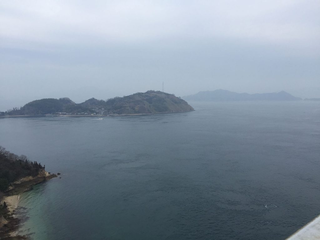 来島海峡大橋から望む瀬戸内海
