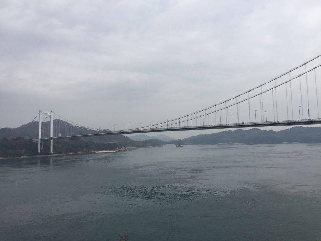伯方島から大三島橋を望む