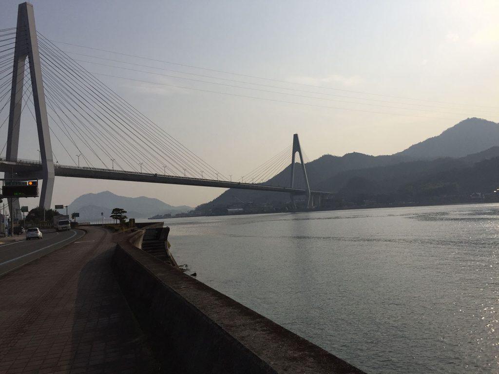 生口橋を望む