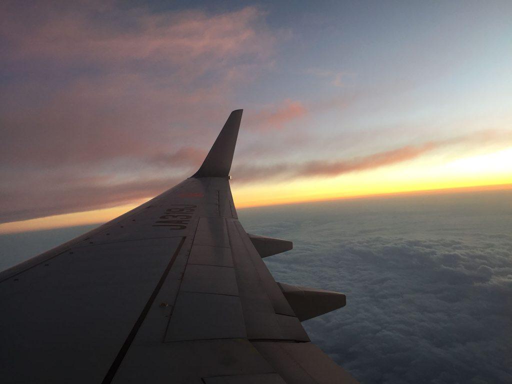 飛行機から見る夕焼け