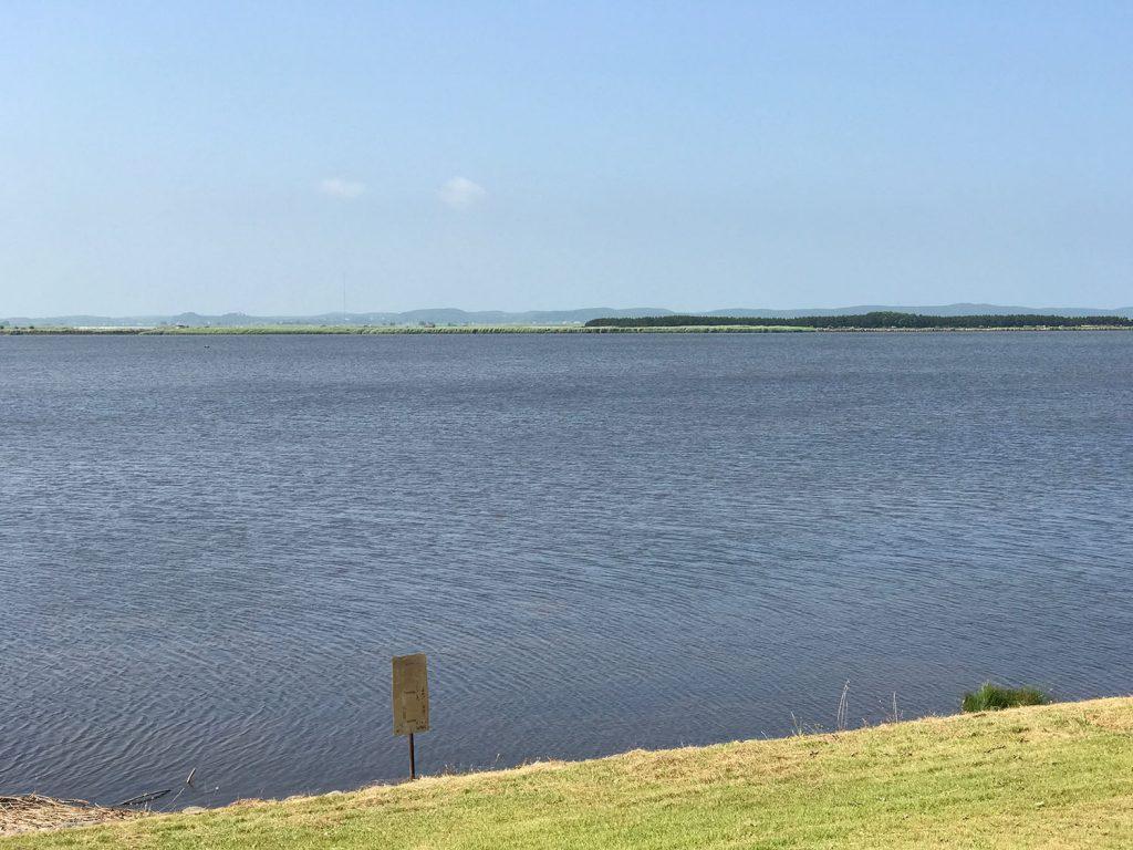 すごく穏やかな湖、十三湖